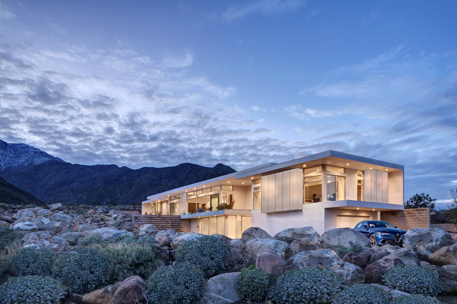 Desert palisades chino canyon modern home in palm springs california on dwell - Villa decor desert o architecture ...