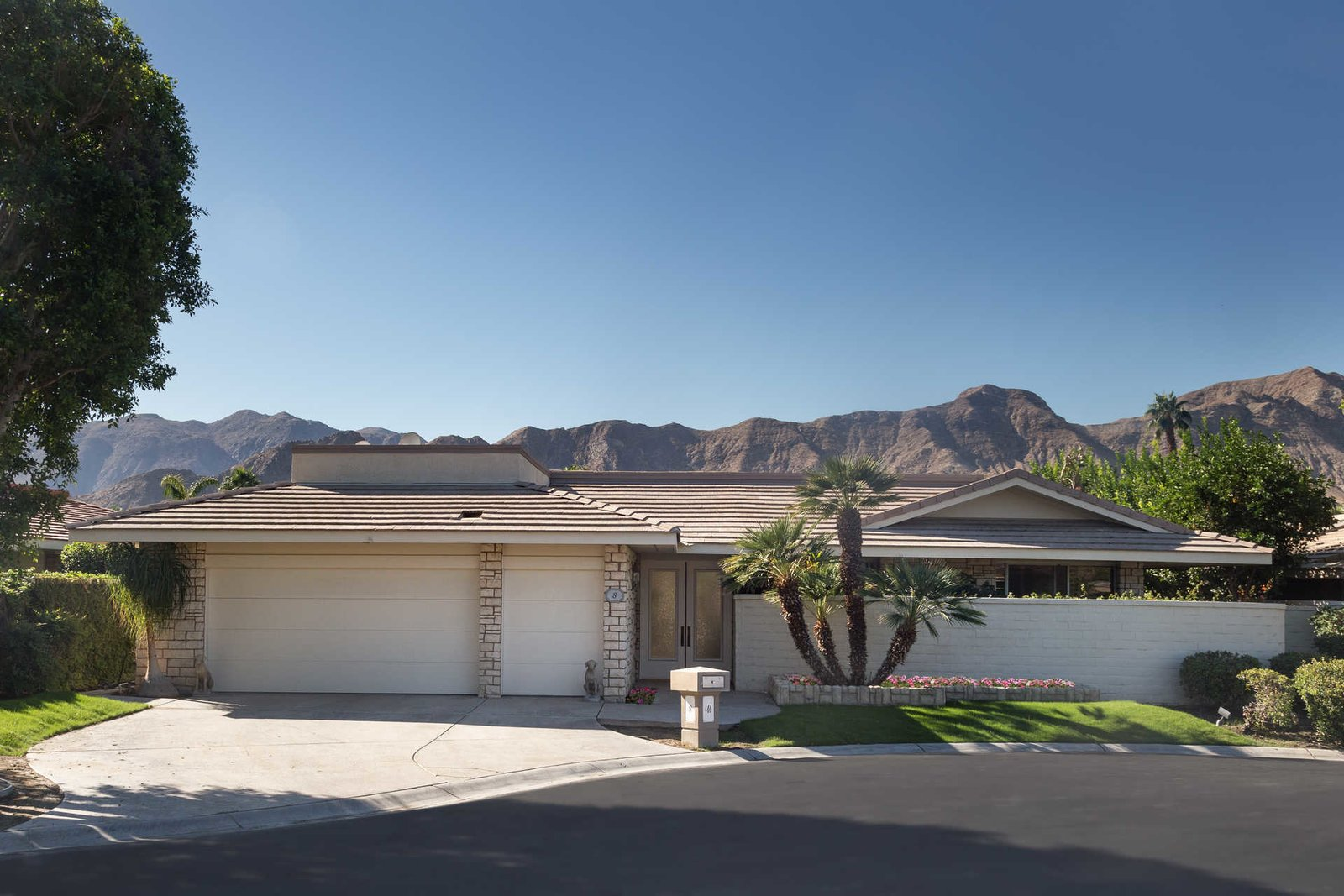 photo 2 of 8 in sophisticated shaugnessy model home in rancho mirage