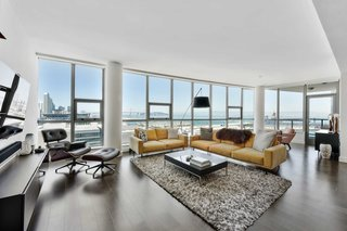 Sweeping San Francisco Views Are the Star of This Mission Bay Original