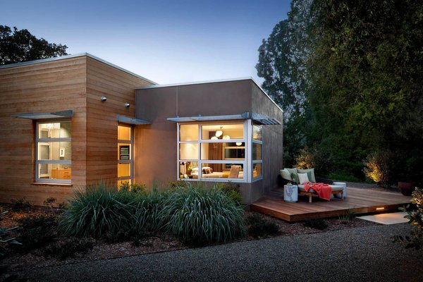 Zumaooh designed Sonoma Residence to be the perfect space for family activities that interact with the beautiful surrounding landscape. Large windows peer out into the meadows, and cozy patios allow the family to soak up the fresh air.