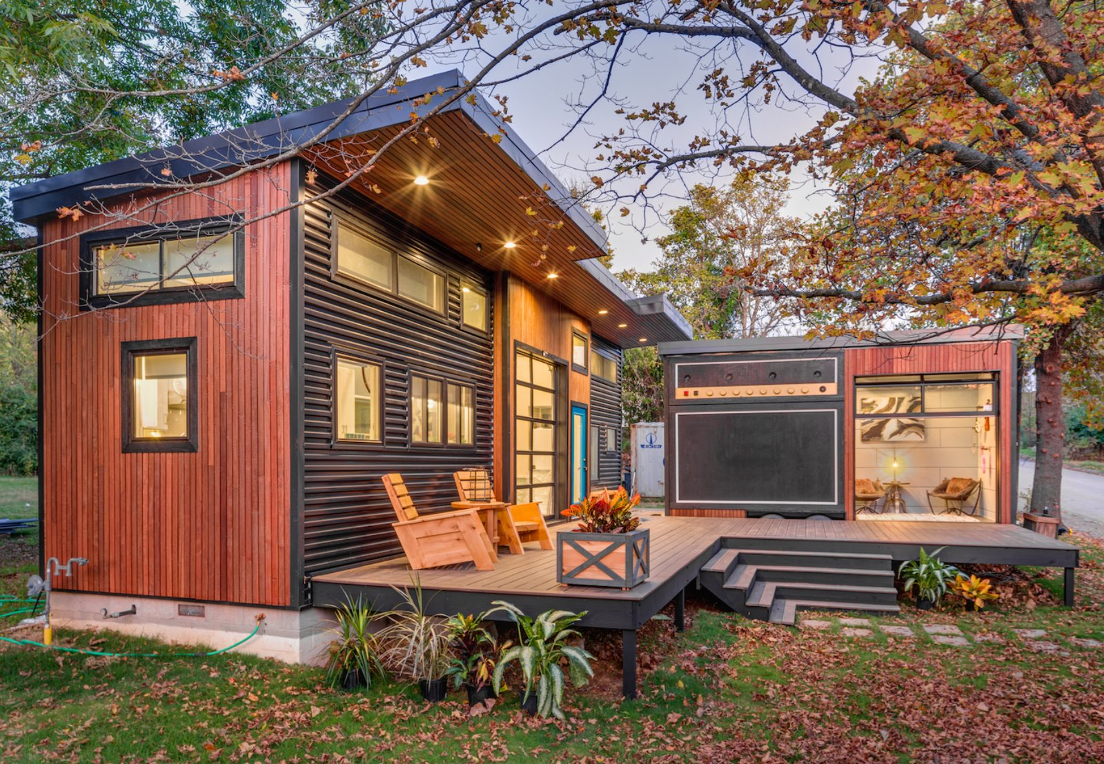 amplified tiny house modern home in fayetteville arkansas by brian on dwell. Black Bedroom Furniture Sets. Home Design Ideas