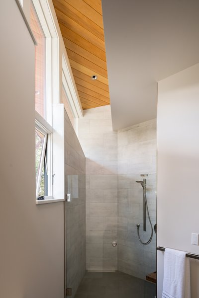 Gregory Creek Residence - Bathroom
