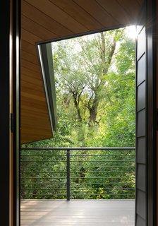 Gregory Creek Residence - Tree Top Deck