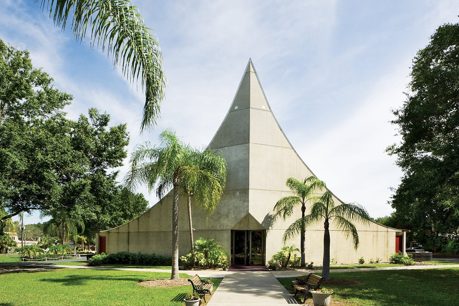St. Paul Lutheran Church Sanctuary 1968, Sarasota, FL Architect Victor Lundy, FAIA  Victor A. Lundy, FAIA