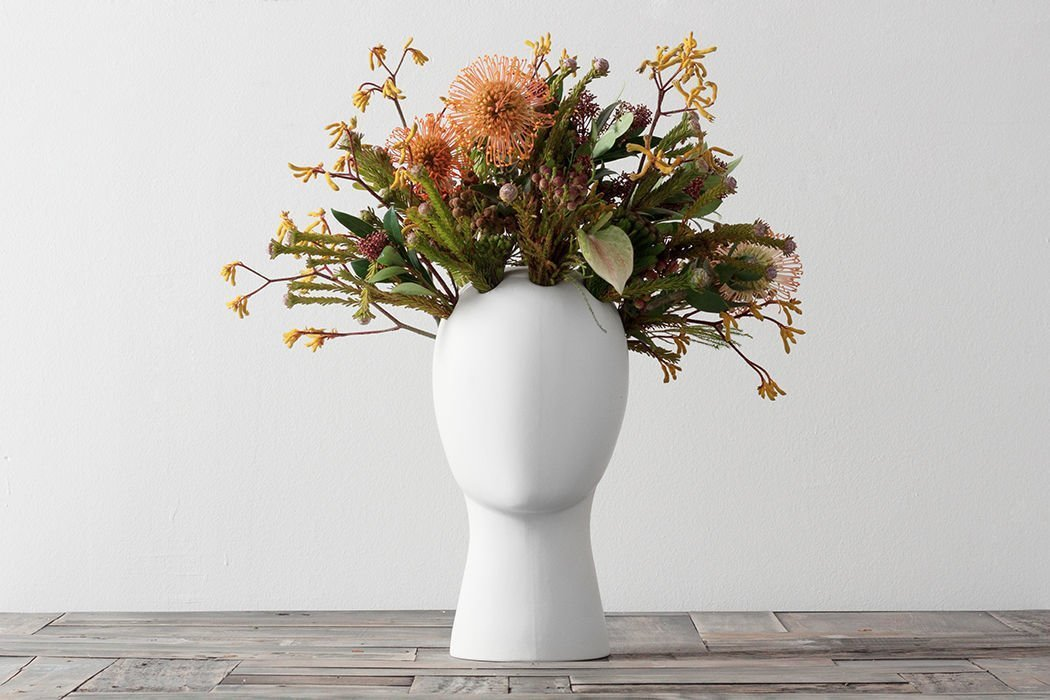 Photo 8 Of 8 In 12 Modern Ways To Decorate With Flowers Dwell
