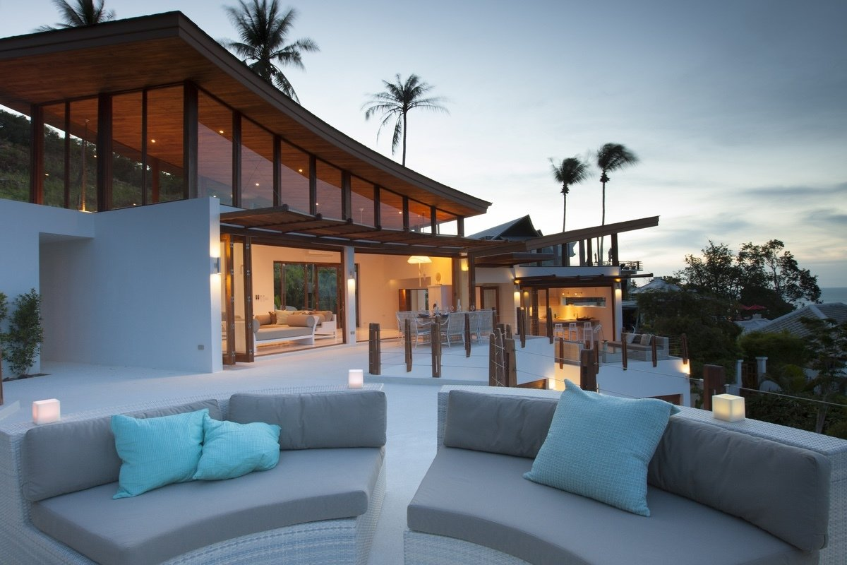 Outdoor Designed with soft, flowing lines and organic curves, Villa Kya has a stunning free form pool and a living room with vaulted ceilings and concertina doors that open to a large dinning terrace.  Photo 6 of 7 in 6 Modern Pool Villas to Stay at While Visiting Koh Samui, Thailand