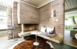 A Sensitively Restored Midcentury House Designed by Pierre Koenig - Photo 8 of 18 -