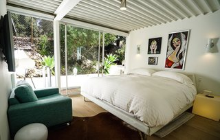 A Sensitively Restored Midcentury House Designed by Pierre Koenig - Photo 11 of 18 -