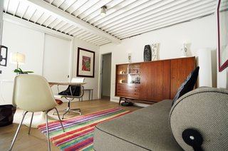 A Sensitively Restored Midcentury House Designed by Pierre Koenig - Photo 12 of 18 -