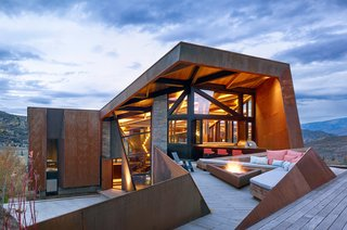 An Angular Mountain Retreat in Colorado Captures Breathtaking Views