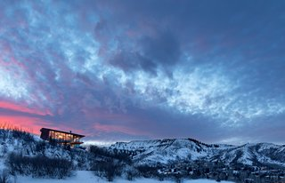 Designed by Portland-based Skylab Architecture, the 4,200-square-foot Owl Creek Residence in Snowmass, Colorado, has an unusual, triangulated floor plan that responds to the height and slope constraints of the site.