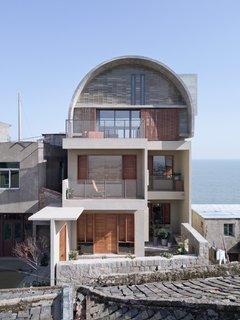 Two balconies increase cross ventilation.