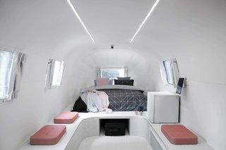 Notel的Airstream的套房都配备了时尚的设计和现代化的设施。