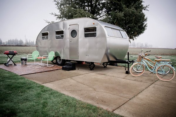A vintage trailer with two bikes in Dayton, Oregon's bucolic Willamette Valley wine country.