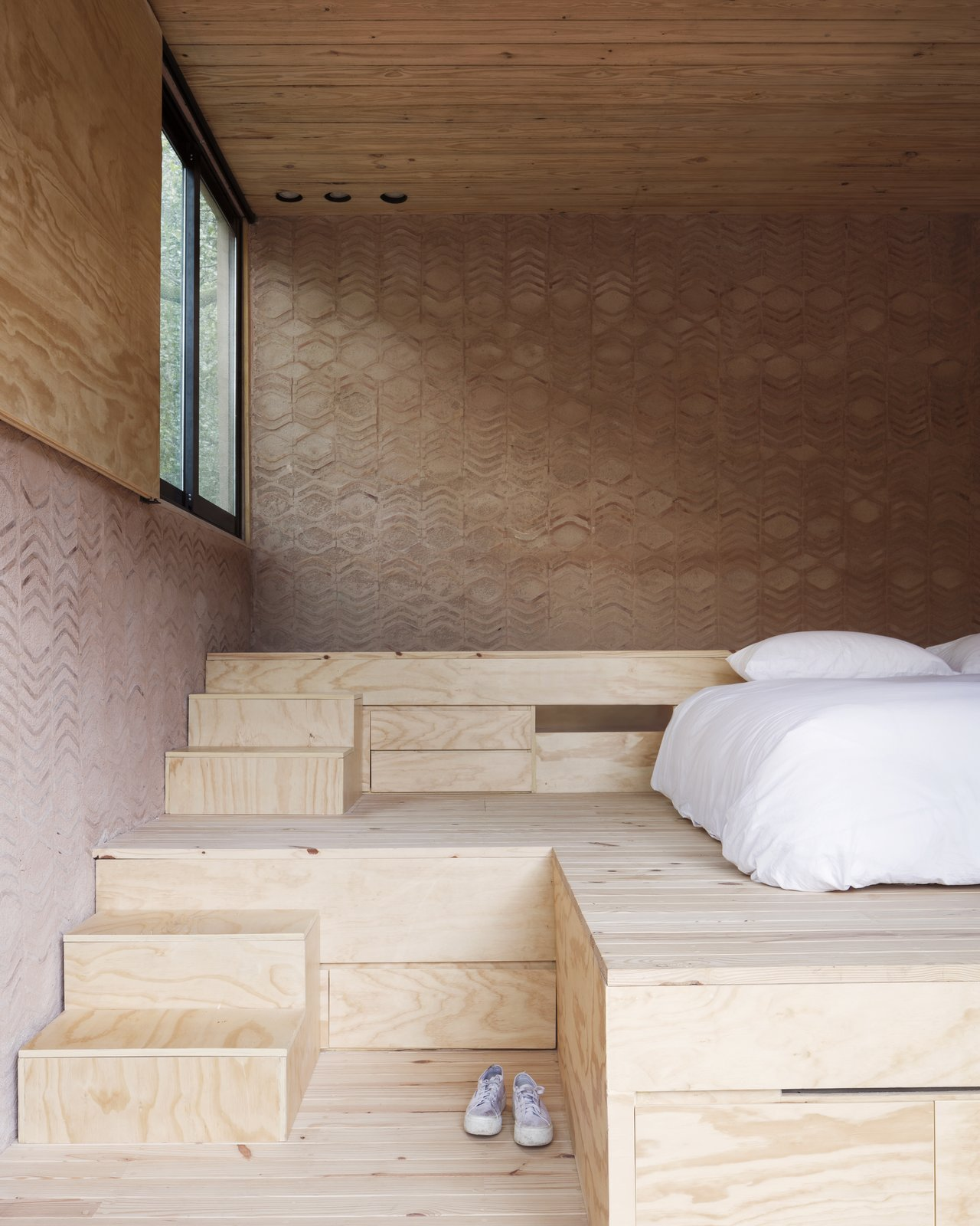 Los Terrenos bedroom with three levels