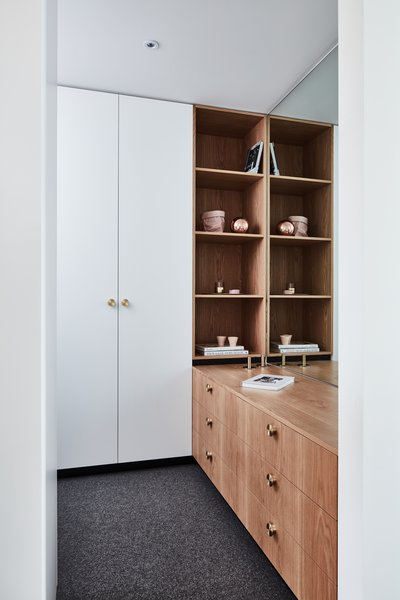 The home features plenty of storage and joinery to accommodate the needs for a growing family. High quality fit-outs and joinery, as pictured above, give this space a luxurious feel.
