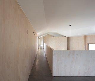 The corridor on the upper level.