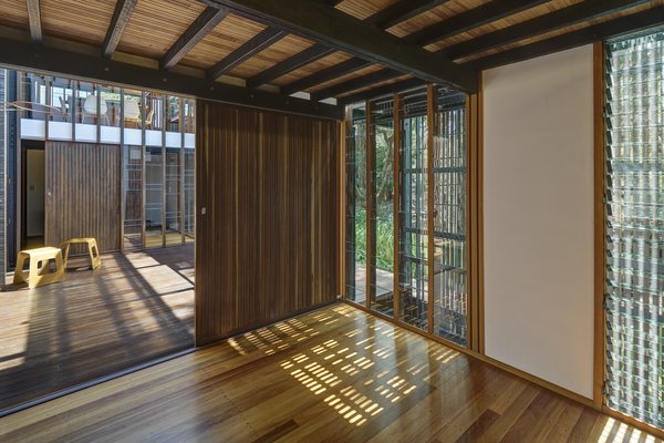 The indoor-outdoor feel of the house is intensified by the three primary views – of the river, towards the forested entry path, and to the sky – that can be enjoyed from within.