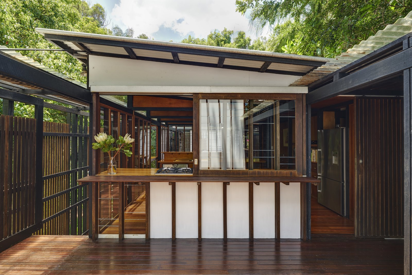 The vertical Japanese slat details imbue the house with a Japanese, Zen-inspired aesthetic.