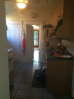 The kitchen before the renovation was a cramped, off-putting space.