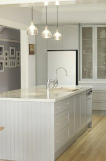 "This ""Kensington kitchen"" was designed by Nadia Hursky for Blue Tea Kitchens."