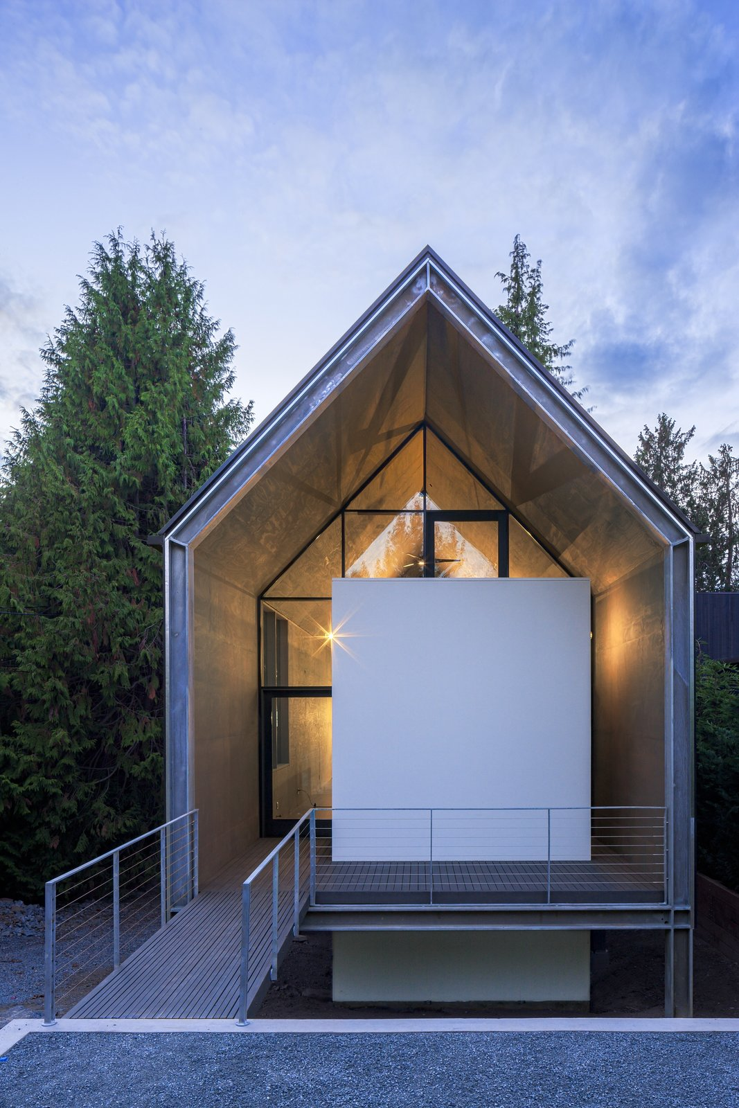 Photo 2 Of 13 In A Minimalist Home In Seattle Embodies A Simpler Way