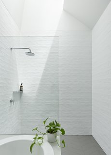 Best 60+ Modern Bathroom Ceramic Tile Walls Design Photos ...