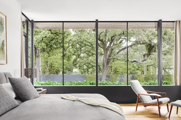 A Glass Addition Unveils Treetop Views For This Texan Home