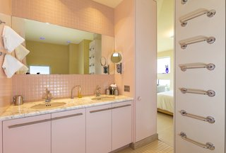This bathroom features Grohe fixtures.