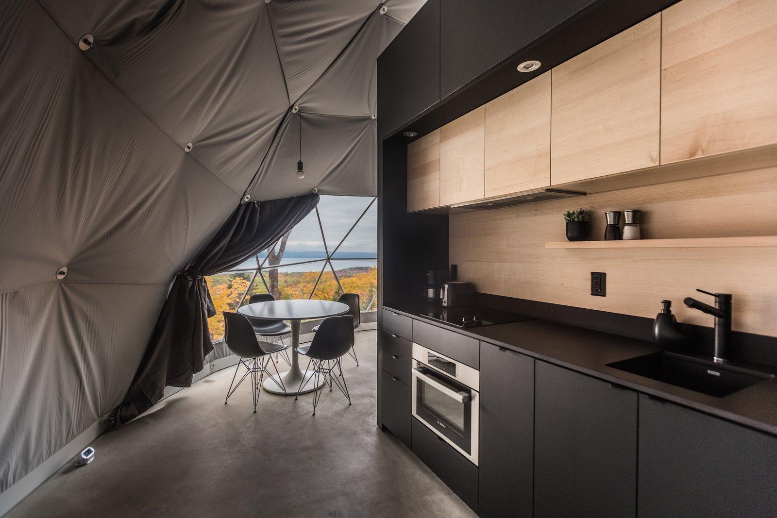 Dômes Charlevoix kitchen