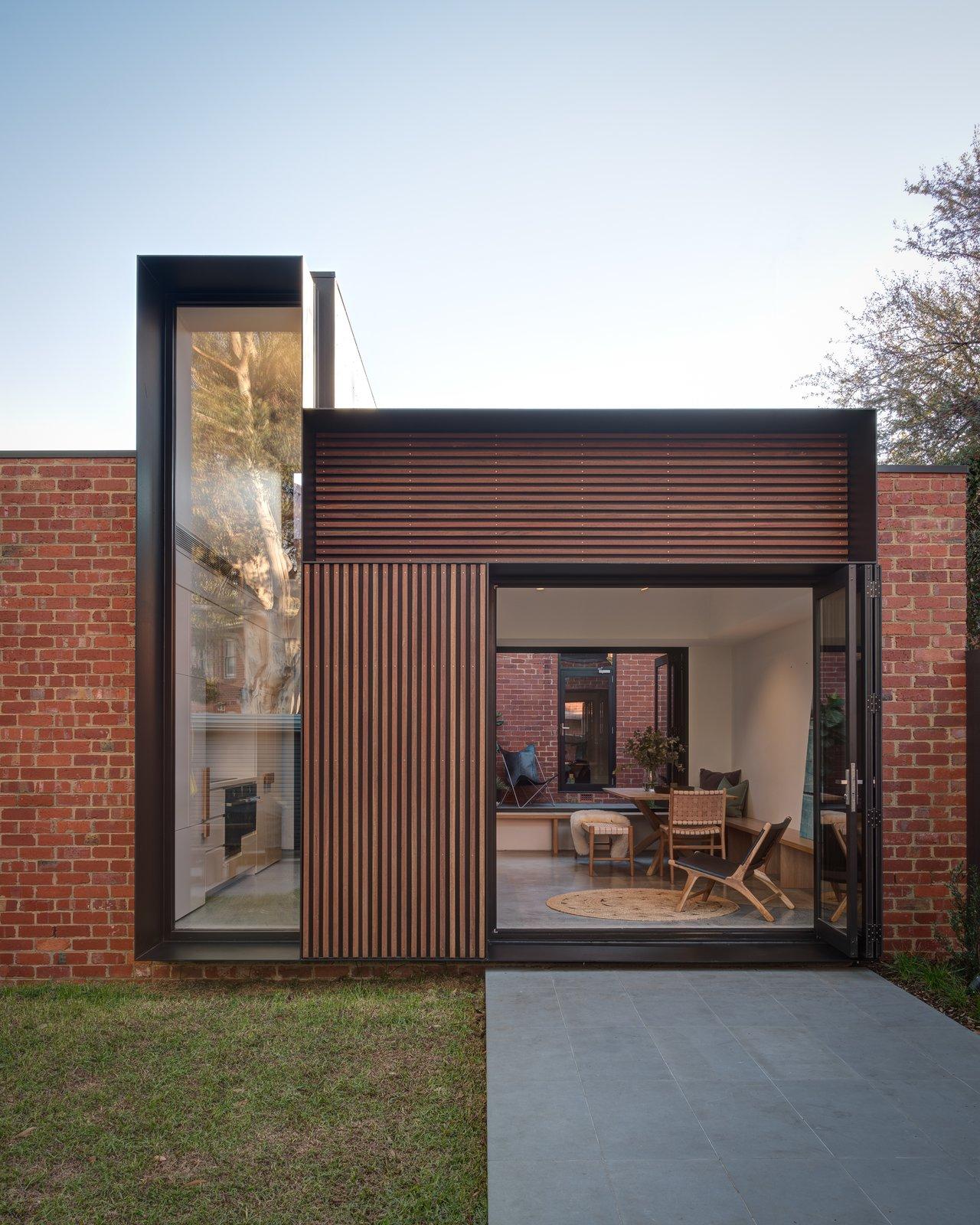 Tetris Extension exterior