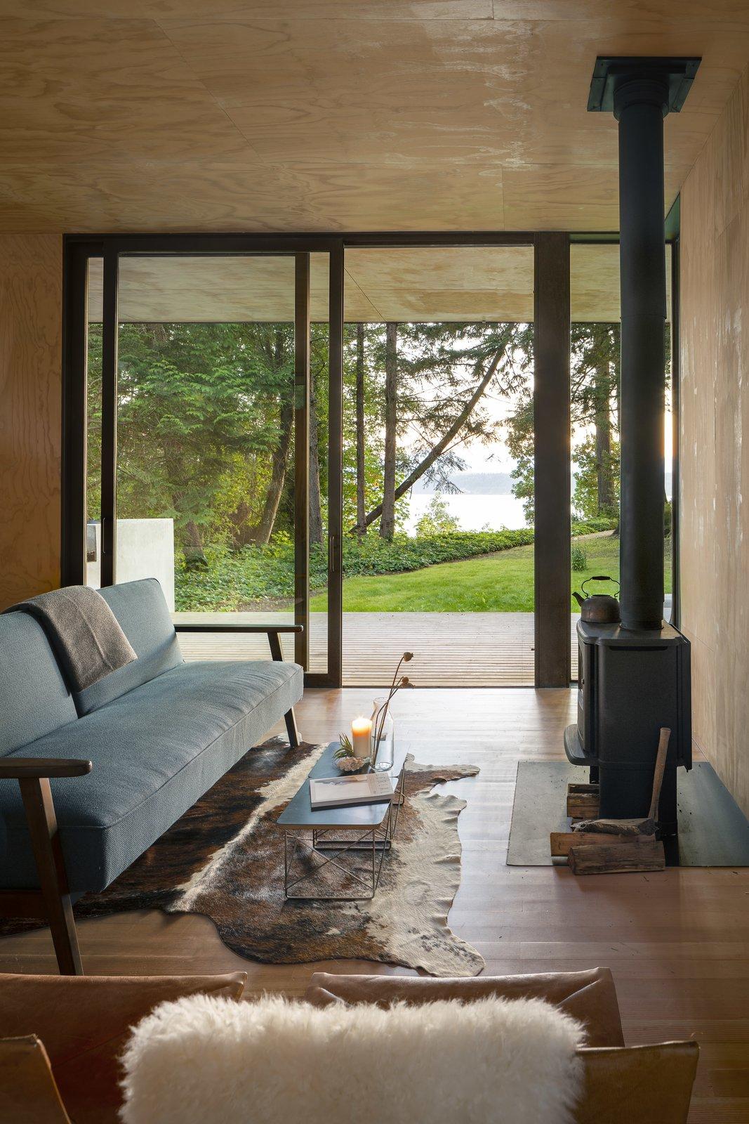 Hood Cliff Retreat cabin interior