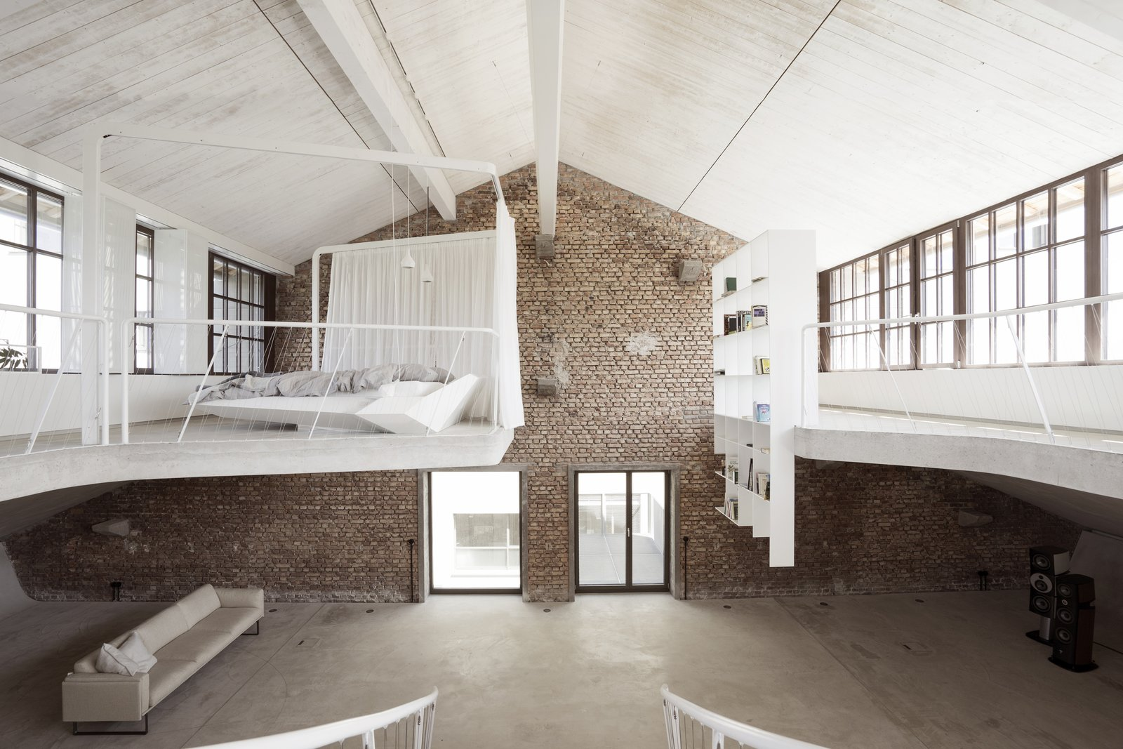 Loft Panzerhalle living area and bedroom