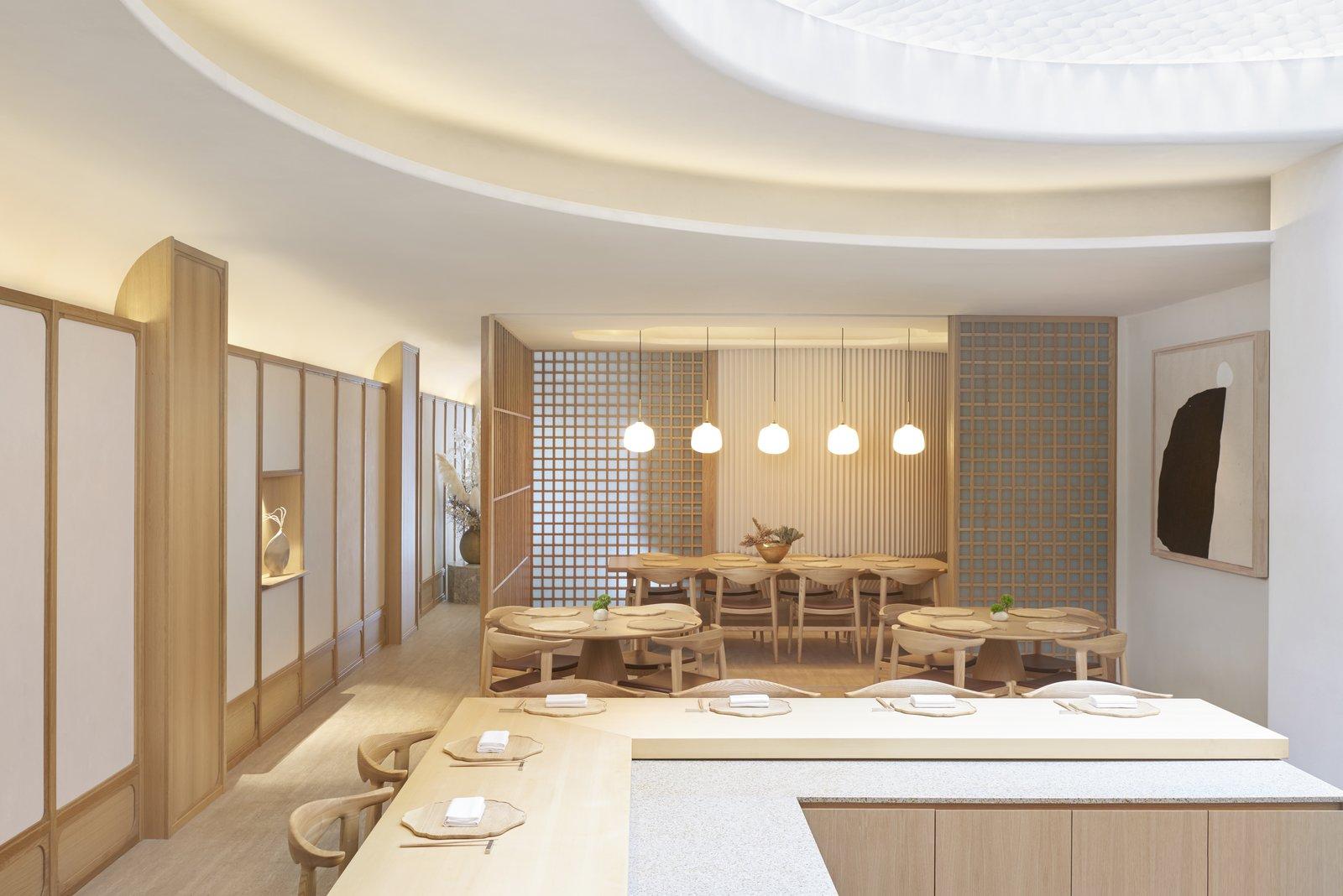 Esora Kappo style dining room