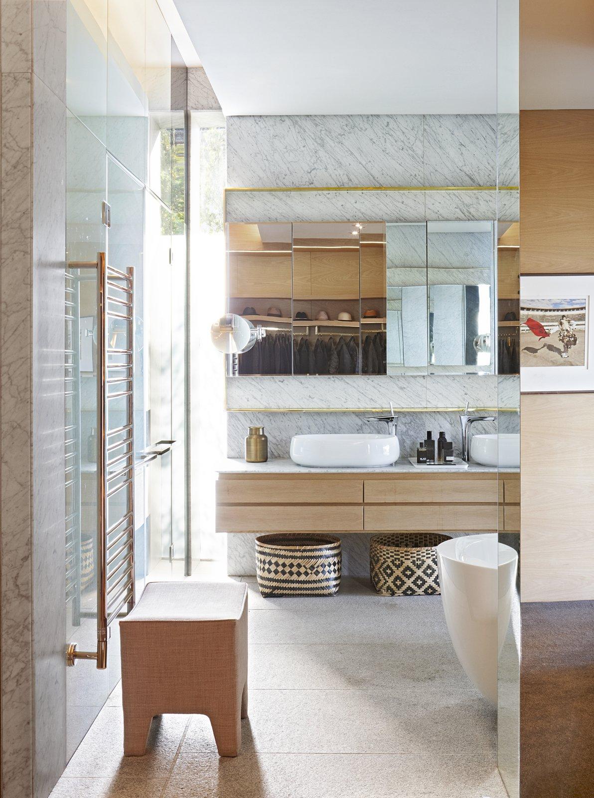 Kloof 119A bathroom