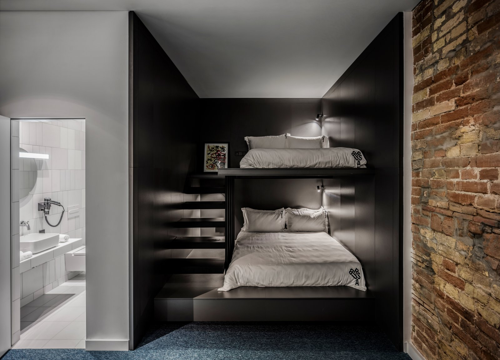 Bursa hotel guest suite with bunk beds