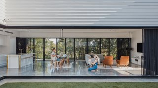 Alspec Aluminum and Dowell Windows products facilitate a strong indoor/outdoor connection.