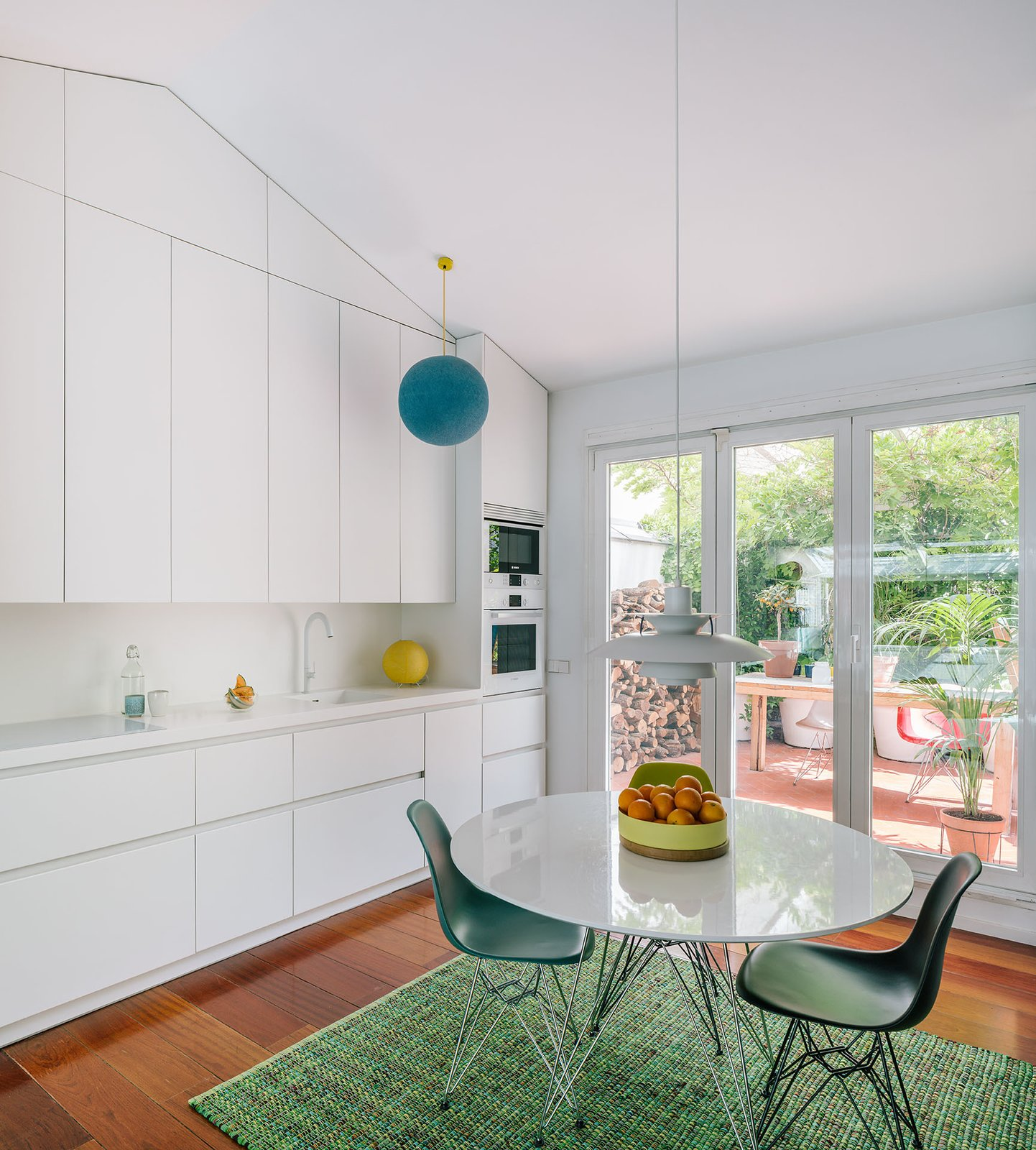 G House kitchen with terrace