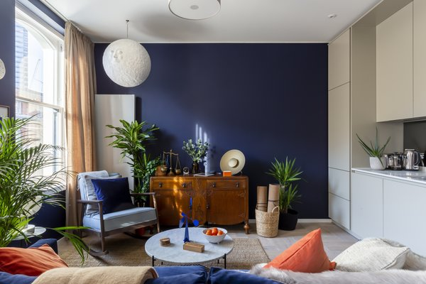 The apartments feature the Scent to Sleep range by London-based fragrance company Neom. The fragrance is a blend of 19 essential oils—including English lavender, sweet basil and jasmine—designed to help guests drift off.