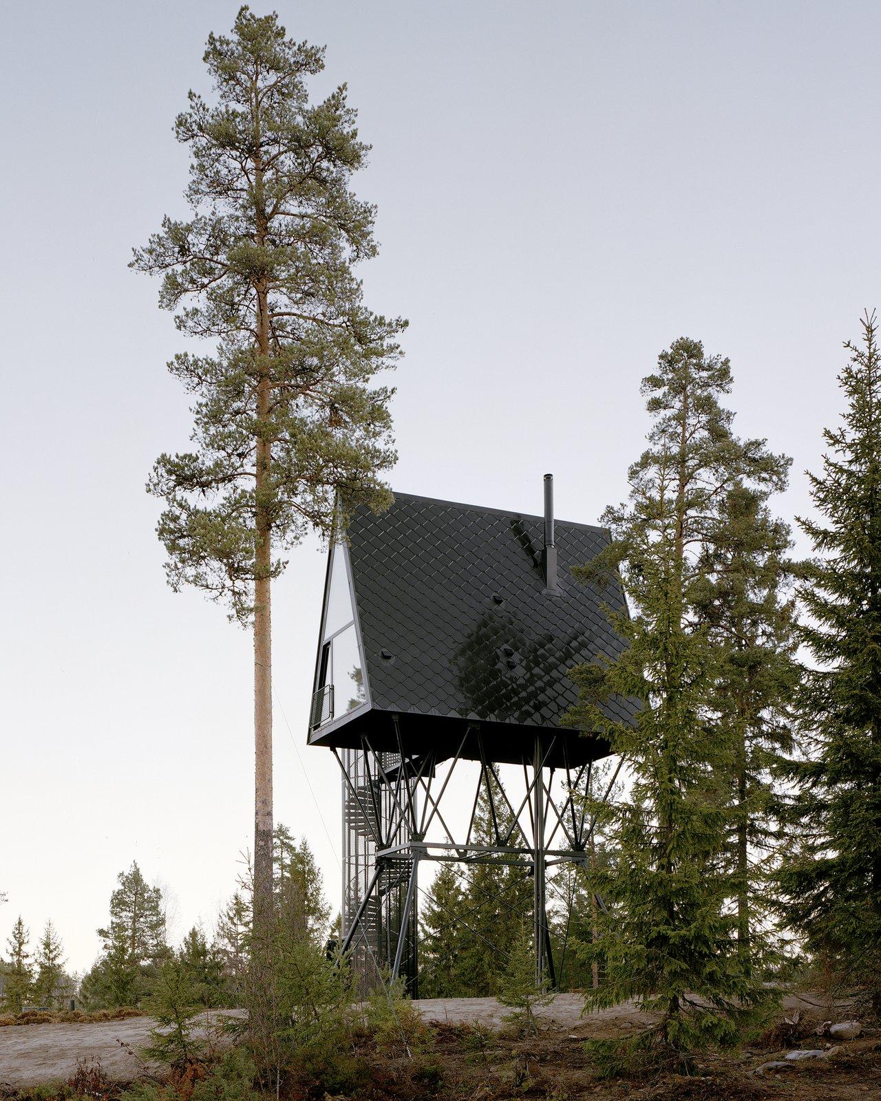 PAN treetop A-frame cabin