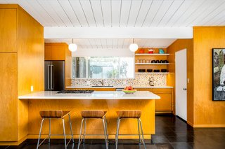Top 5 Homes of the Week That Are Mad For Midcentury Design - Photo 2 of 5 -