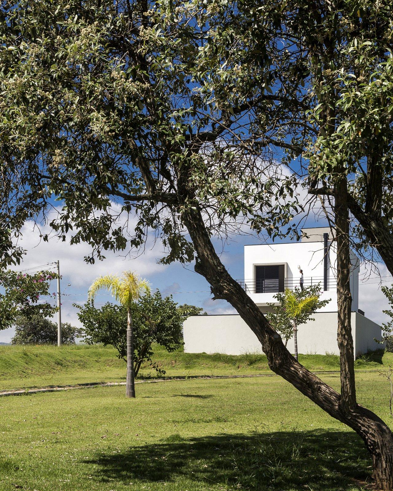 Back balcony  SG House by Taguá Arquitetura+Design