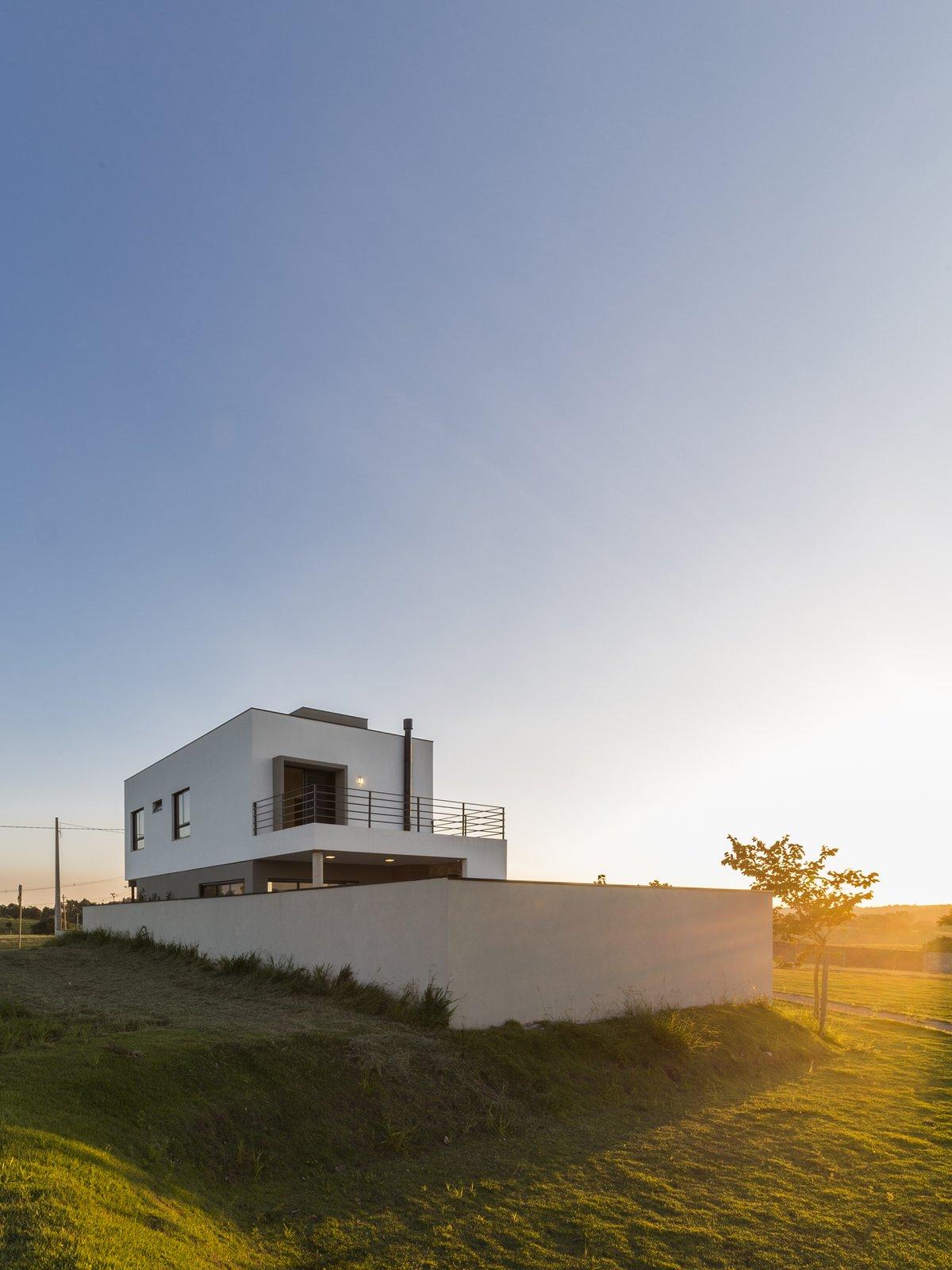 Sunset.  SG House by Taguá Arquitetura+Design