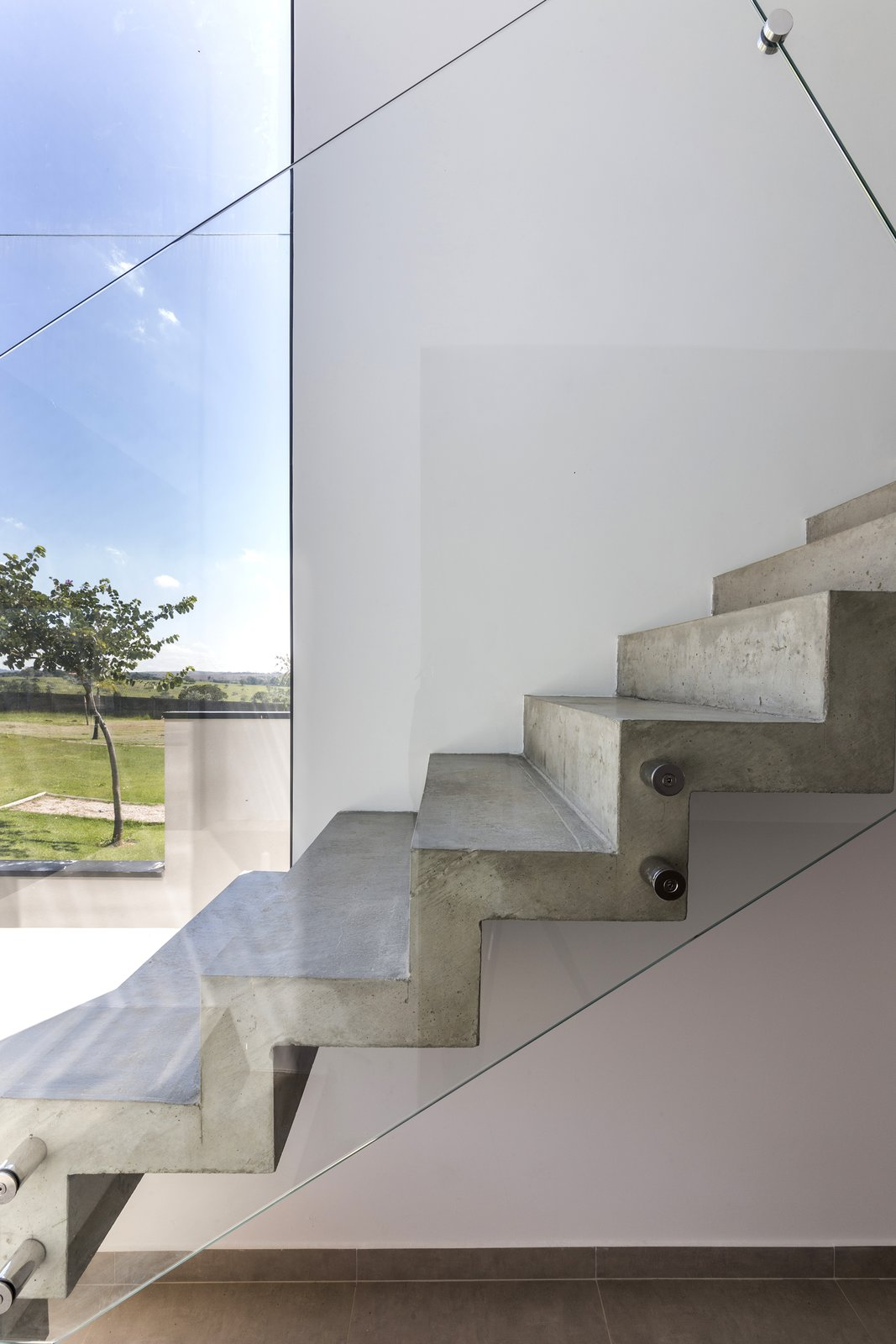 stairs  SG House by Taguá Arquitetura+Design