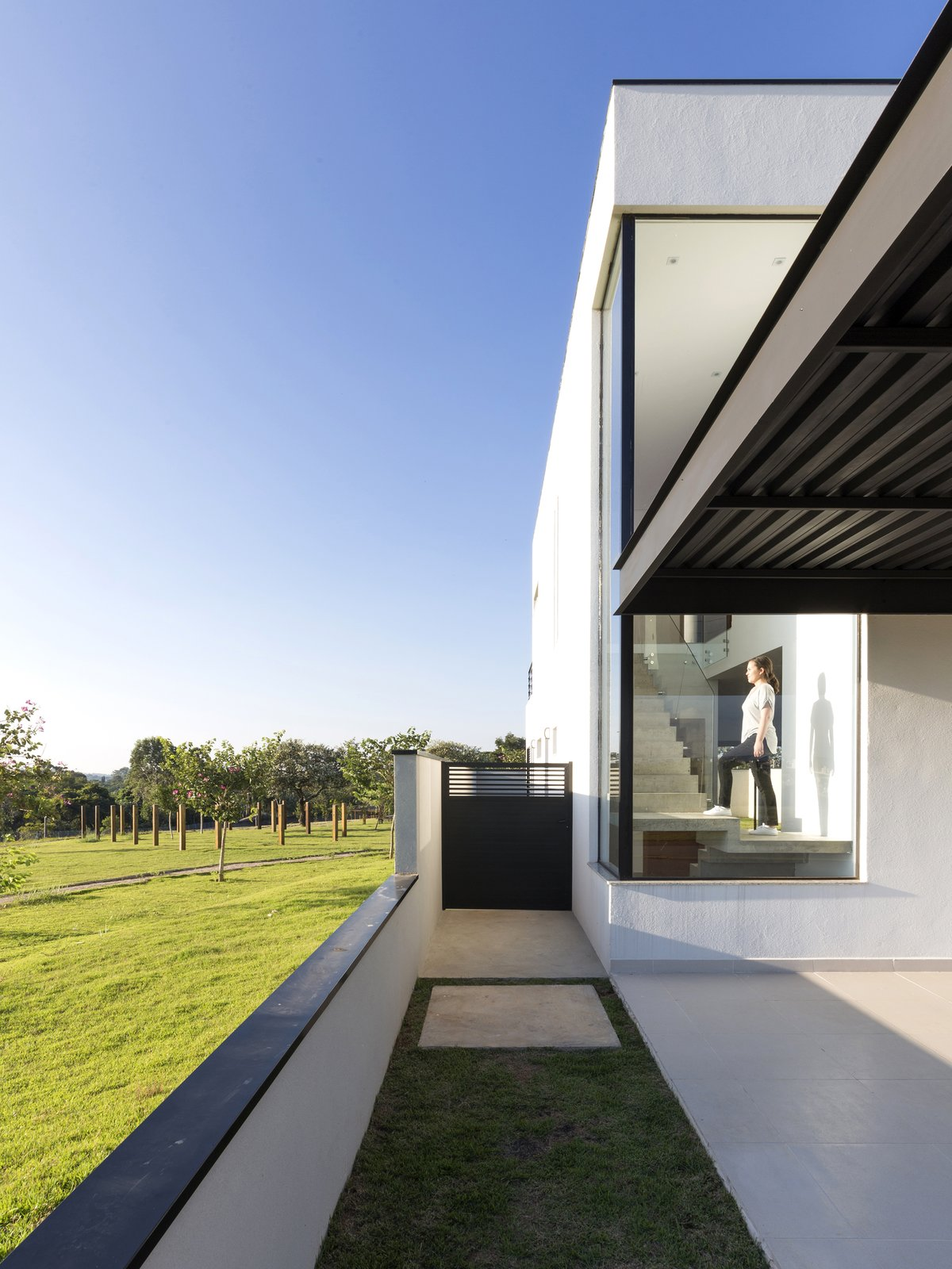 front facade detail  SG House by Taguá Arquitetura+Design