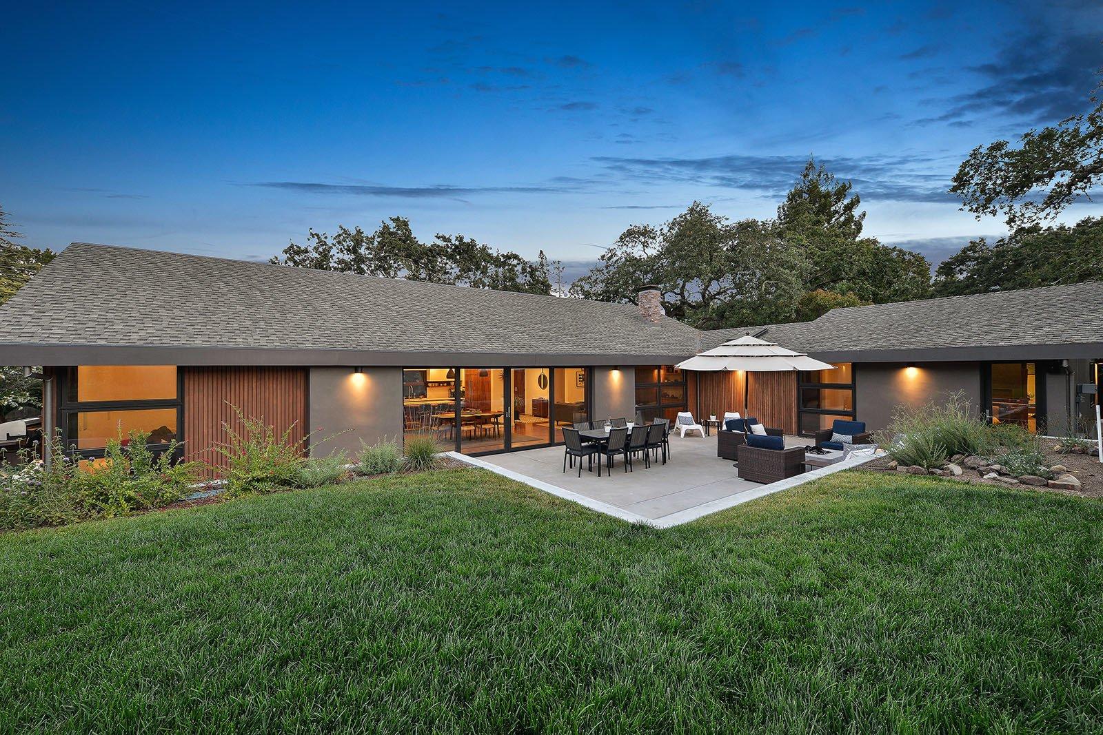 Rear yard  Portola Valley by patrick perez/designpad architecture