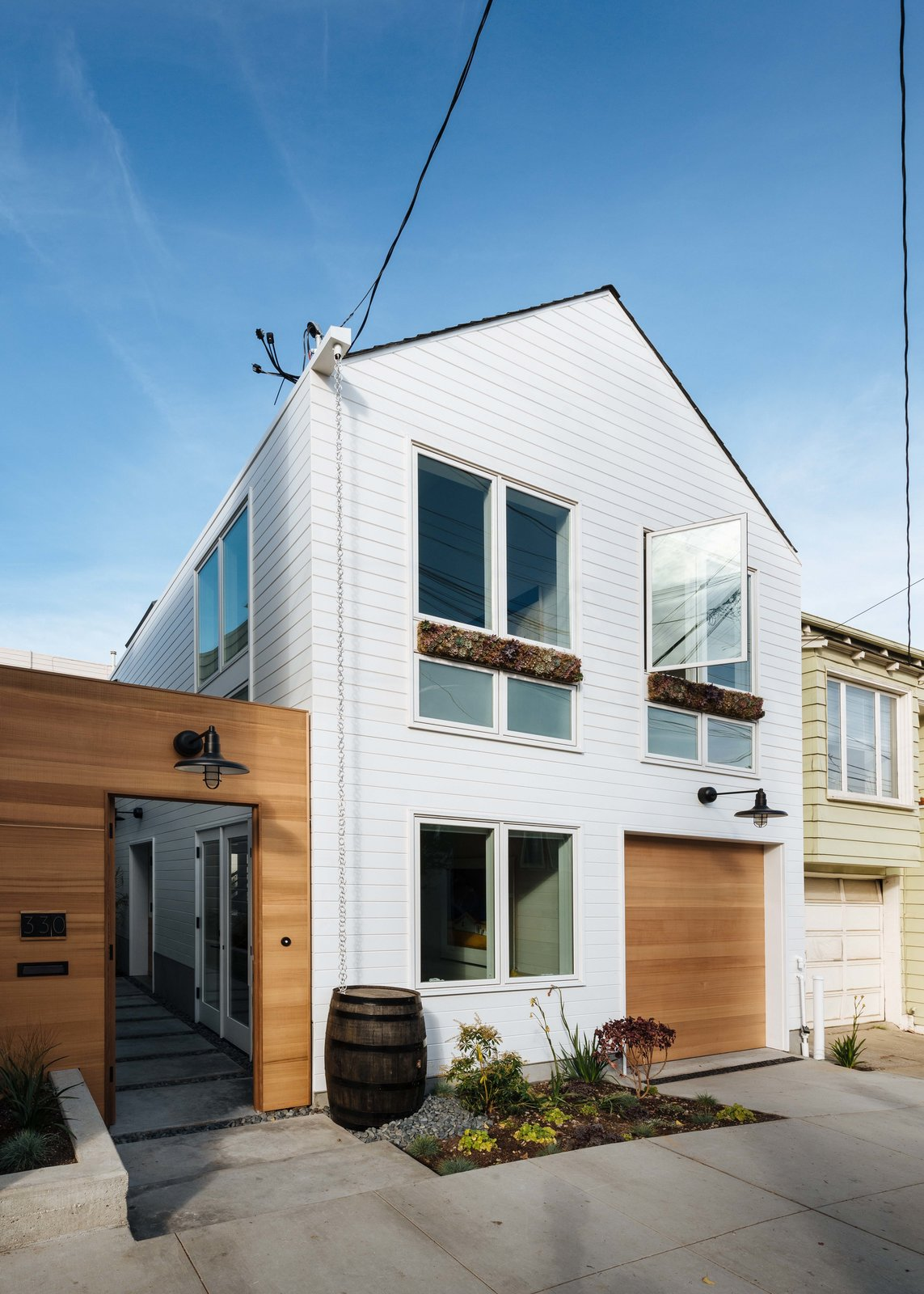 Outdoor, Gardens, Walkways, Front Yard, and Concrete Patio, Porch, Deck Space-Efficient Renovation in San Francisco, California  Photo 4 of 11 in Dwell's Top 10 Design Pros of 2017