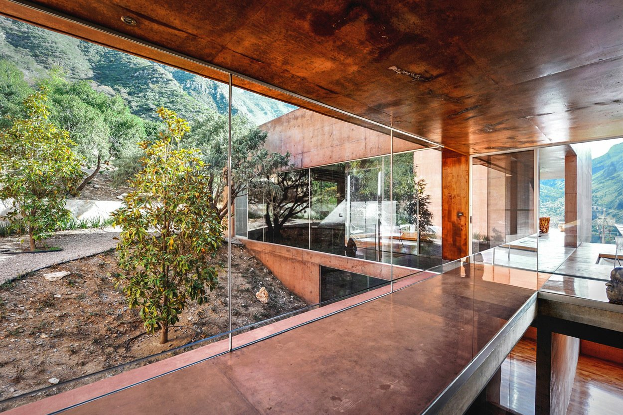 Casa Narigua - P+0 Arquitectura  Casa Narigua by P+0 Arquitectura