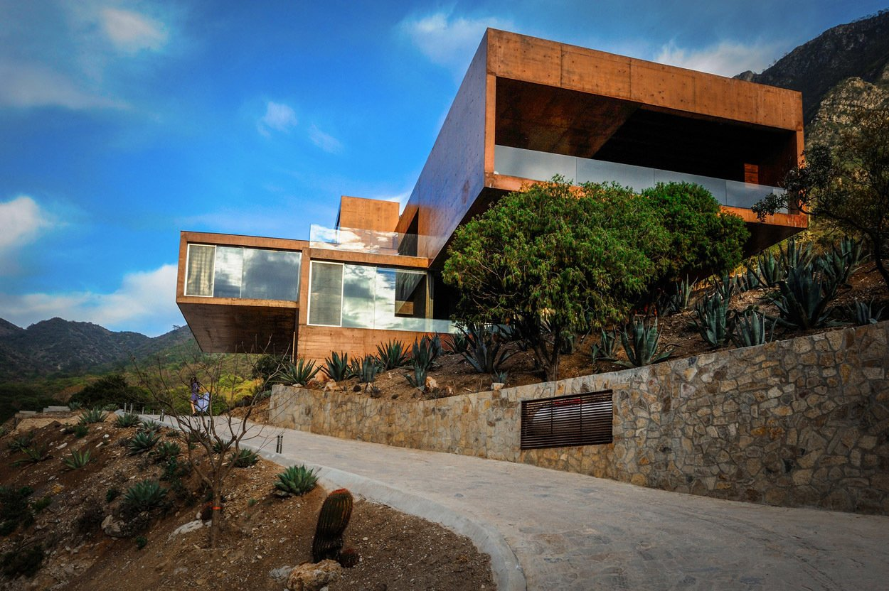 Exterior and House Building Type Casa Narigua - P+0 Arquitectura  Casa Narigua by P+0 Arquitectura