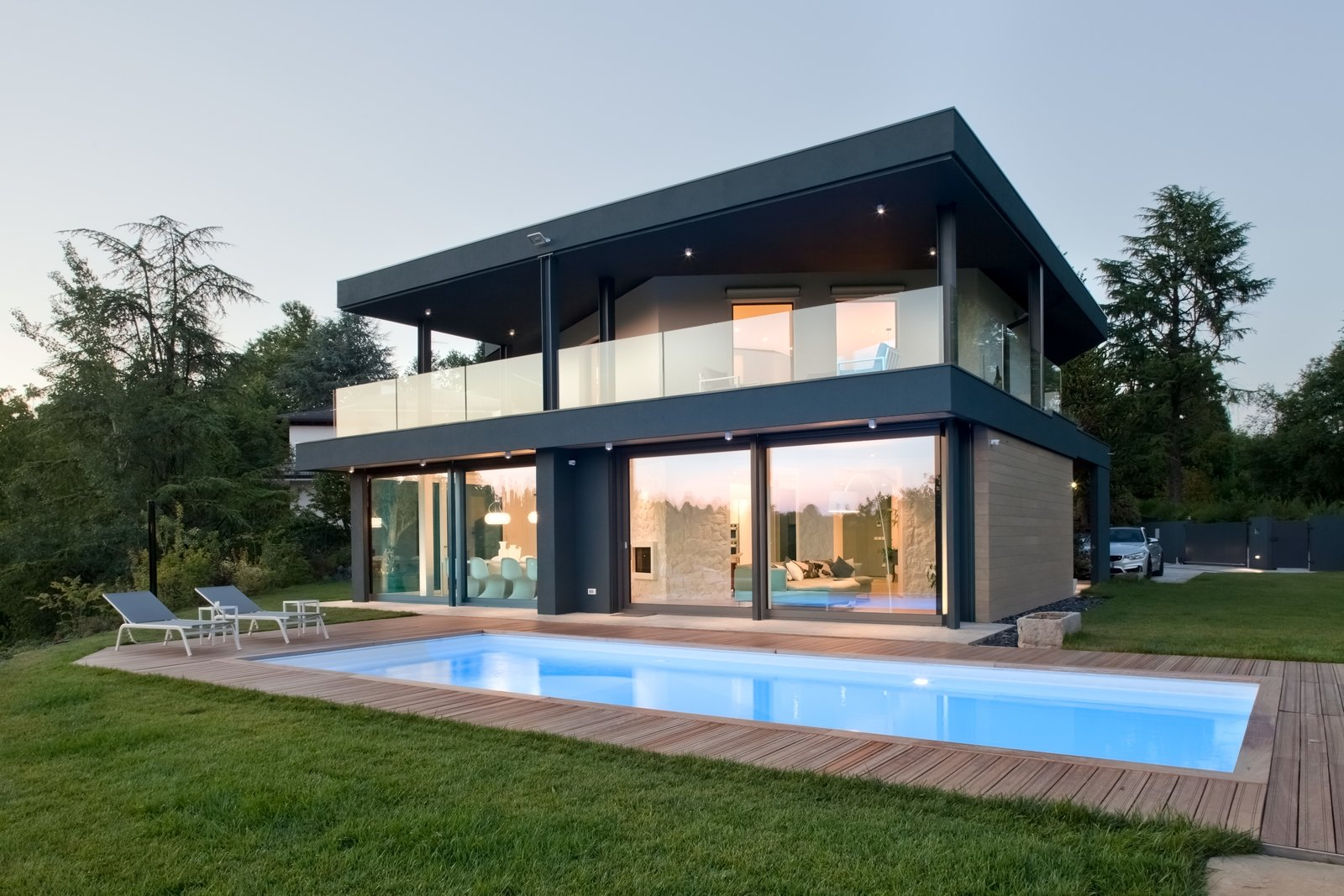 The new volume is a covered terrace at the firs floor  Photo 3 of 6 in Villa on the hills near Udine | iarchitects